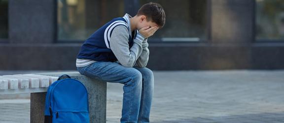 Violences scolaires, harcèlement, provocation au suicide : quels recours pour la victime ?