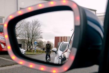 Exit Warning : la technologie Ford qui entend protéger les cyclistes des ouvertures intempestives de portières