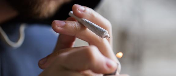 - Consommation de drogue : une amende de 200 € à partir du 1er septembre
