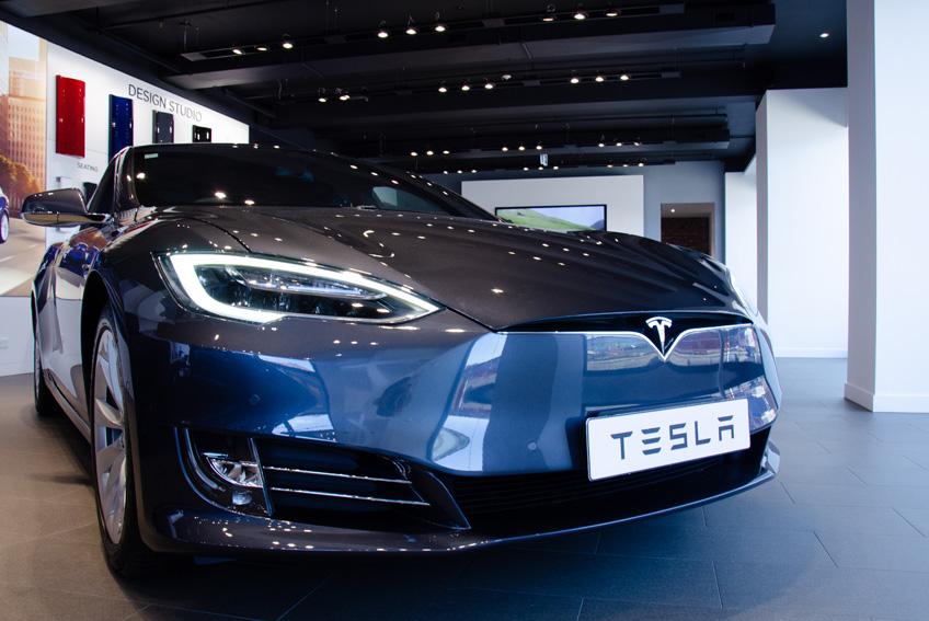 Aurillac Auto Expertise - Aurillac - États-Unis : une Tesla Model S Plaid prend feu spontanément